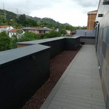 terraza con grava volcanica en bizkaia