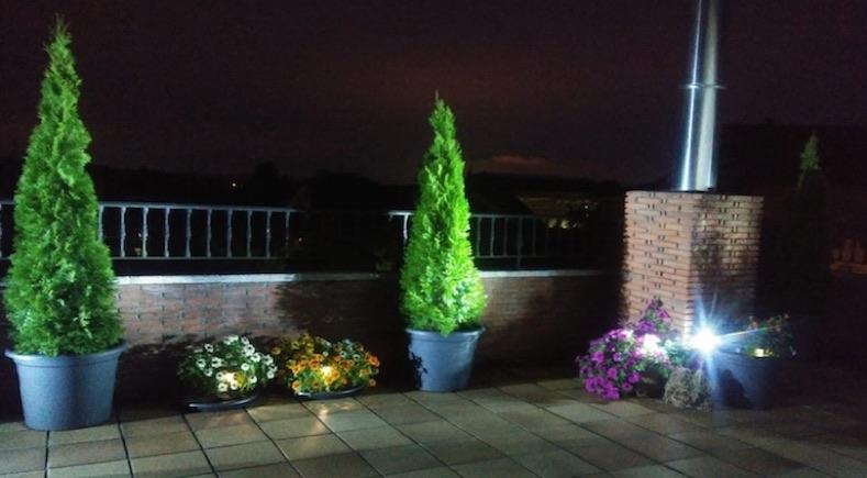 decoracion de terraza con iluminacion