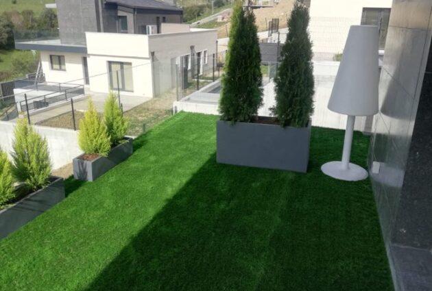 decoracion terraza con cesped artificial sopelana bizkaia