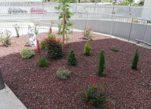 Mejora De Jardin De Varios Taludes En Urbanizacion