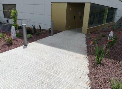 Mejora De Jardin con Taludes En Una Urbanizacion